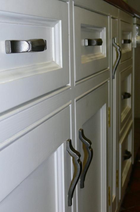 bespoke kitchen cabinet handles 92474 zoom
